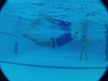 לימוד שחיה בסגנון פרפר